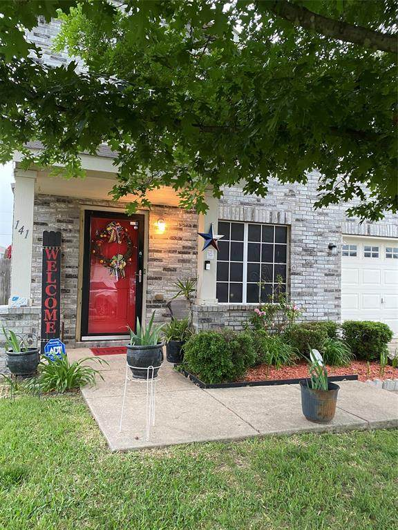 141 Driftwood Drive, Wilmer, TX 75172 (MLS #14584066) :: Real Estate By Design