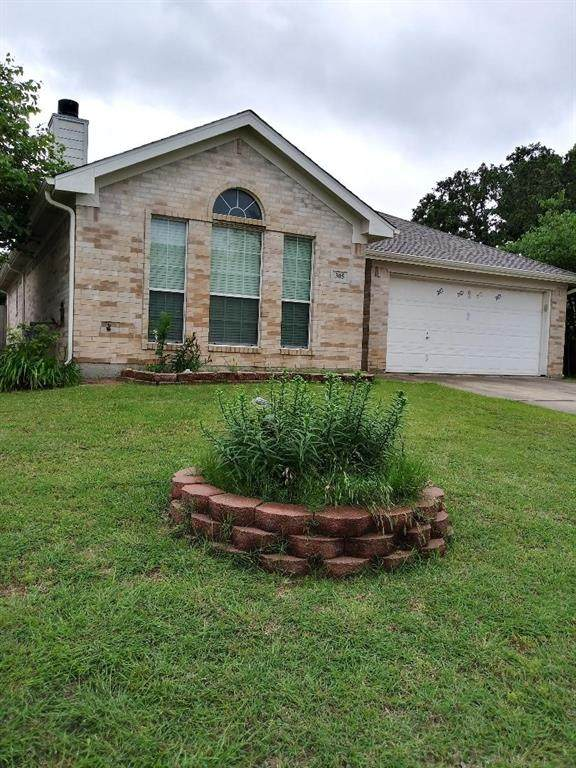 305 Sweetwater Drive, Weatherford, TX 76086 (MLS #14590226) :: Real Estate By Design