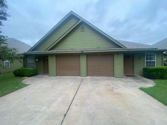 1022 W Coffin Street, Denison, TX 75020 (MLS #14590595) :: Real Estate By Design