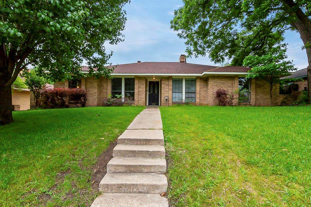 4022 Tracey Trail - Photo 1