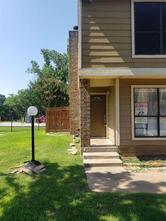 2128 Park Willow Lane A, Arlington, TX 76011 (MLS #14598528) :: Front Real Estate Co.