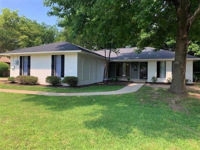 2200 Juanita Drive, Denison, TX 75020 (MLS #14601879) :: The Chad Smith Team
