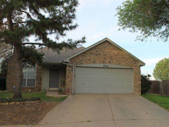 2916 San Gabriel Court, Fort Worth, TX 76118 (#14603363) :: Homes By Lainie Real Estate Group