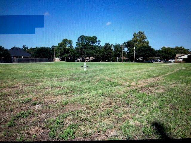 2500 Smith Barry Road, Pantego, TX 76013 (MLS #14603951) :: Real Estate By Design