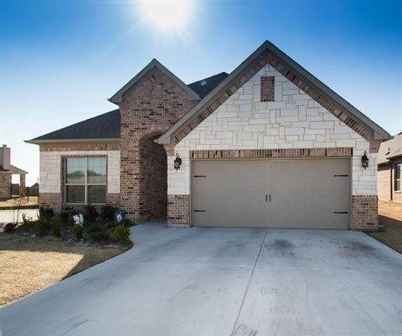 3016 Timber Trail Drive, Decatur, TX 76234 (MLS #14604243) :: Real Estate By Design