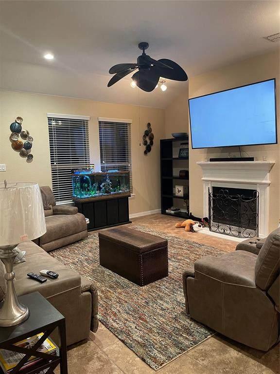 925 Keel Line Drive, Crowley, TX 76036 (MLS #14605399) :: Robbins Real Estate Group