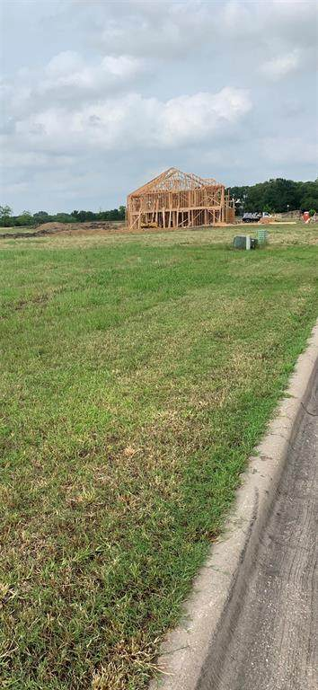 1104 Estate Drive, Ennis, TX 75119 (MLS #14607149) :: The Chad Smith Team