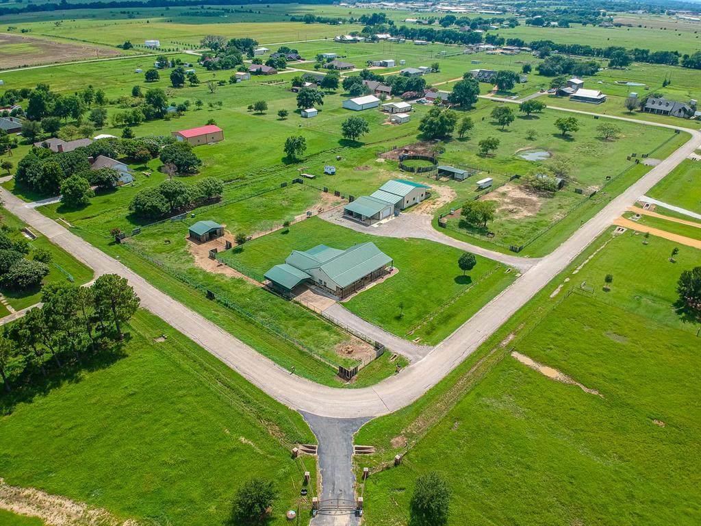 20200 Willow Glade Circle - Photo 1