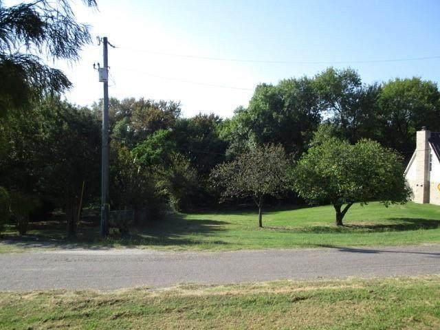 606 Hilltop Circle, Wylie, TX 75098 (MLS #14607737) :: VIVO Realty