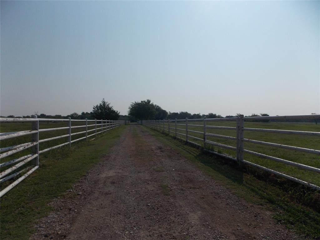 7829 County Road 151 - Photo 1