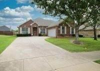 2352 Wise Road, Grand Prairie, TX 75052 (MLS #14612596) :: The Daniel Team