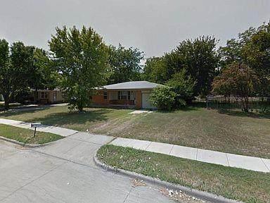 1004 Warden Street, Benbrook, TX 76126 (MLS #14617065) :: The Mauelshagen Group