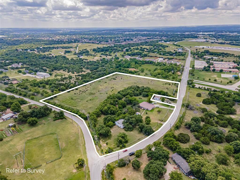 818 Oakridge Drive - Photo 1