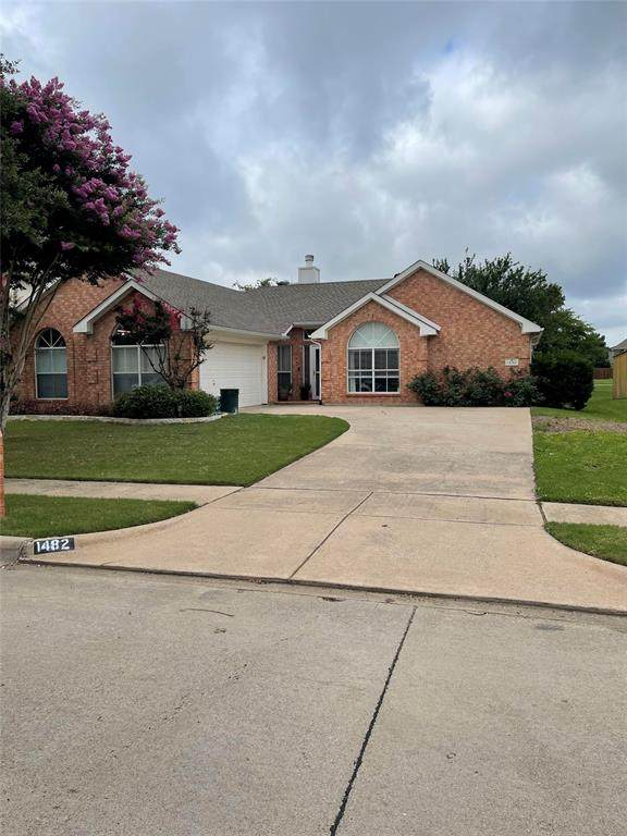 1482 Sycamore Drive, Keller, TX 76248 (MLS #14621172) :: The Mauelshagen Group