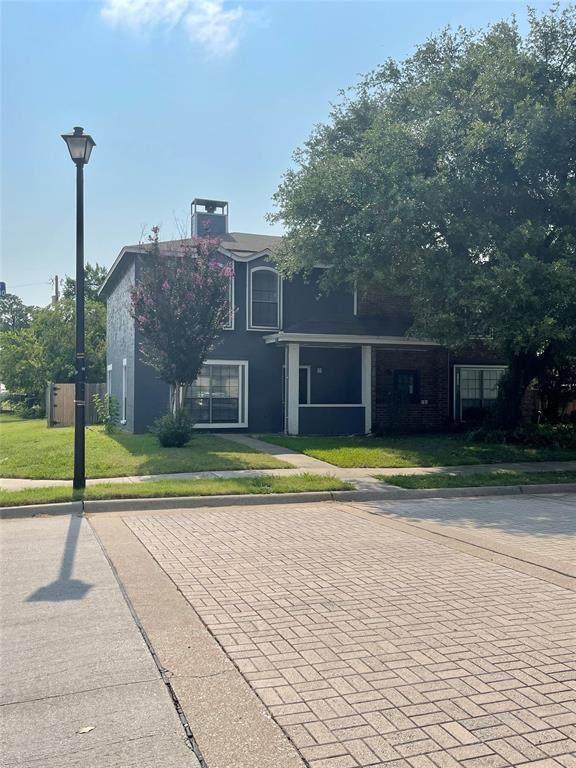 3024 Roxboro Road, Euless, TX 76039 (MLS #14624959) :: The Chad Smith Team