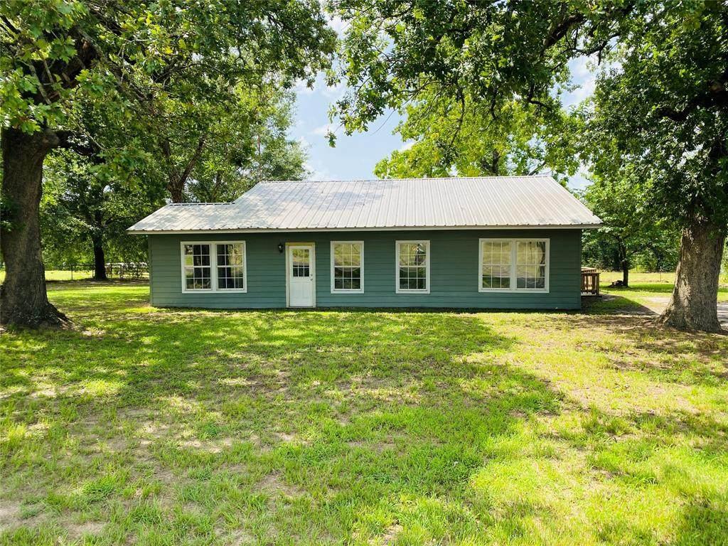 370 County Road 3245 - Photo 1