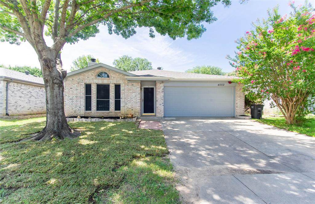 4052 Staghorn - Photo 1