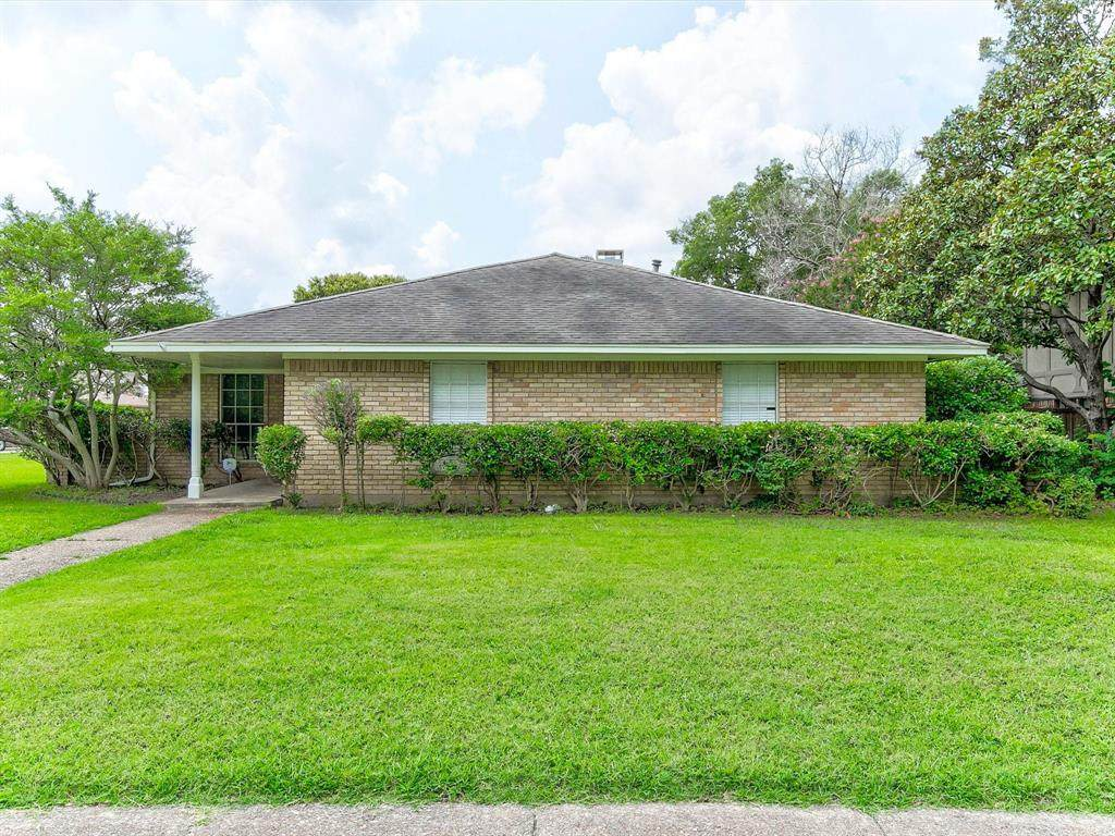 3100 Dover Dr - Photo 1