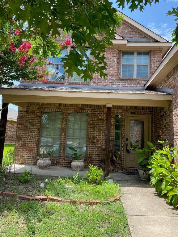 2053 Club Oak Drive, Heartland, TX 75126 (MLS #14629240) :: Rafter H Realty