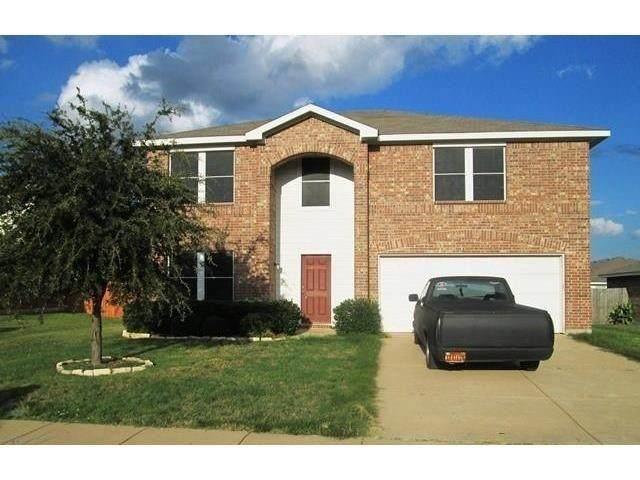 216 Cedar Crest Drive, Justin, TX 76247 (MLS #14629393) :: Rafter H Realty