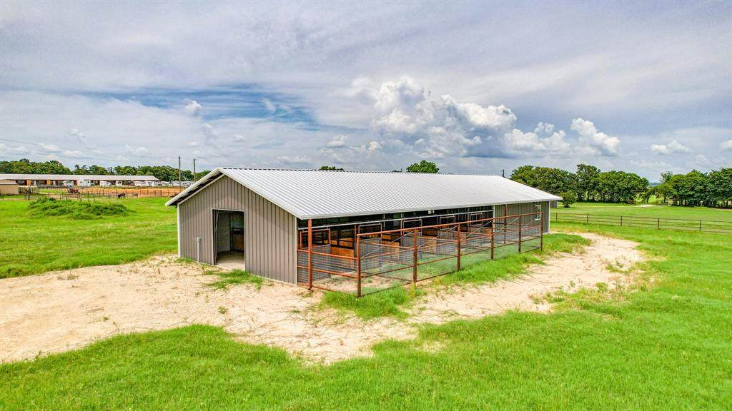 13640 Farm Road 3025 - Photo 1