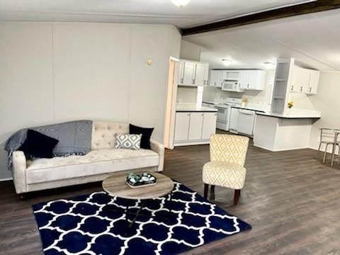 4800 Kelly Elliott Road, Arlington, TX 76017 (MLS #14631112) :: Real Estate By Design