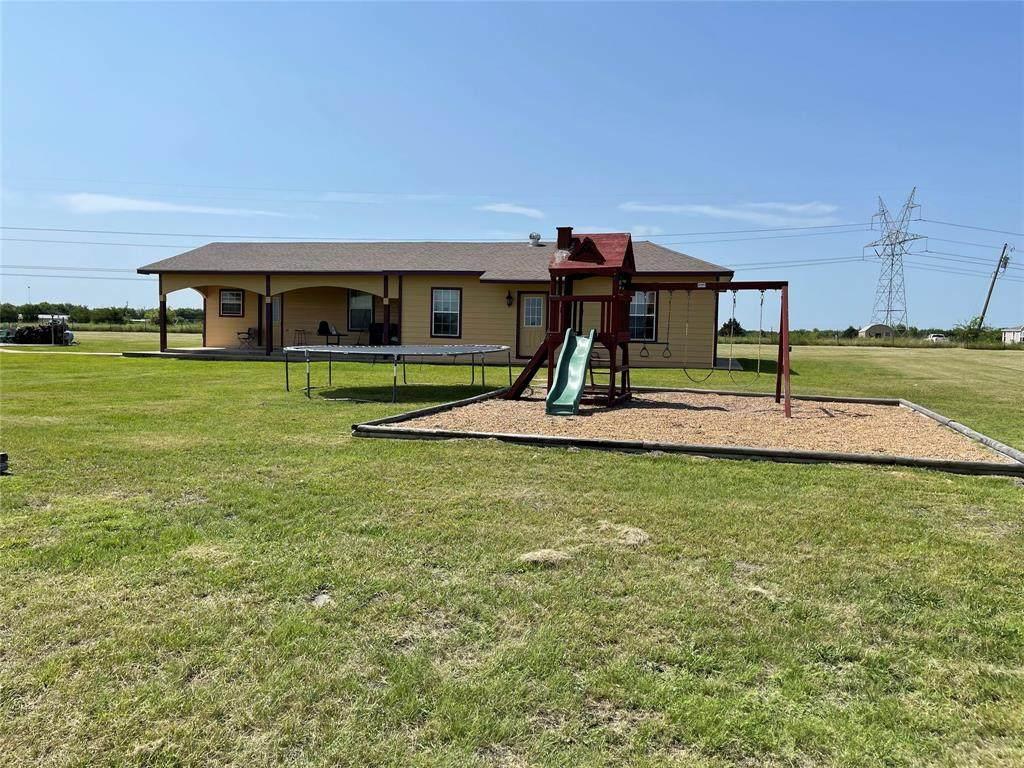2117 County Road 1079 - Photo 1