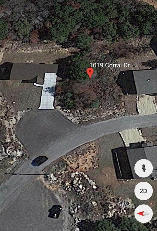 1019 Corral Drive, Granbury, TX 76048 (MLS #14633709) :: Jones-Papadopoulos & Co