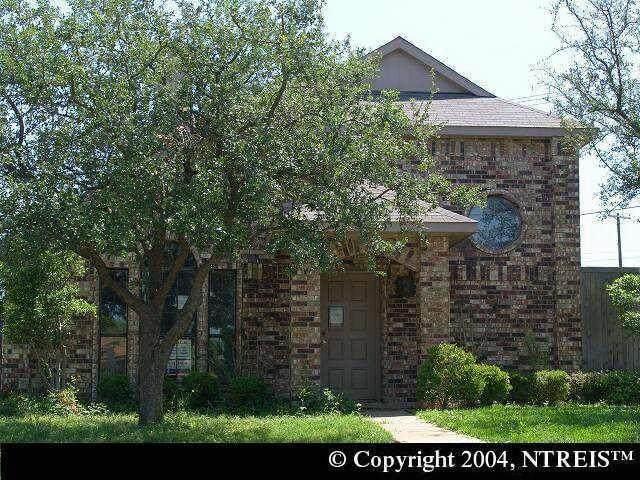 900 Old Barn Lane, Mesquite, TX 75149 (MLS #14635313) :: Lisa Birdsong Group | Compass
