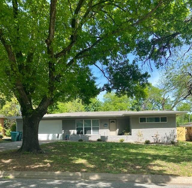 521 N Mckown Avenue, Sherman, TX 75092 (MLS #14635495) :: Frankie Arthur Real Estate