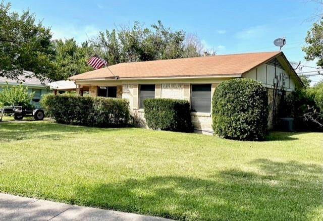 2401 Vickie Street, Mesquite, TX 75149 (MLS #14636645) :: Real Estate By Design