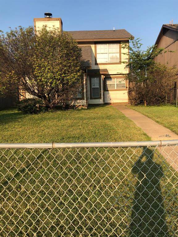 2224 N Masters Drive, Dallas, TX 75227 (MLS #14636882) :: Team Tiller