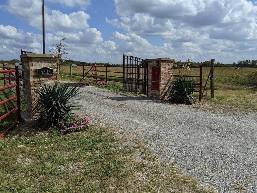 5303 Farm Road 904 - Photo 1