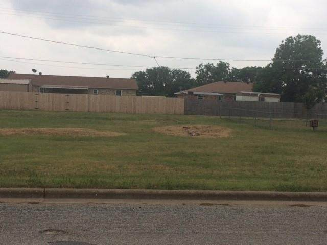 1511 Thomas Lane, Graham, TX 76450 (MLS #14637583) :: Robbins Real Estate Group