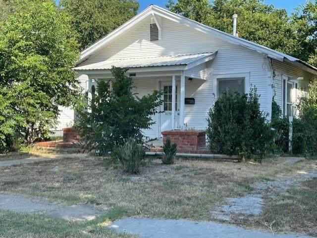 1311 Avenue J, Brownwood, TX 76801 (MLS #14639110) :: Trinity Premier Properties