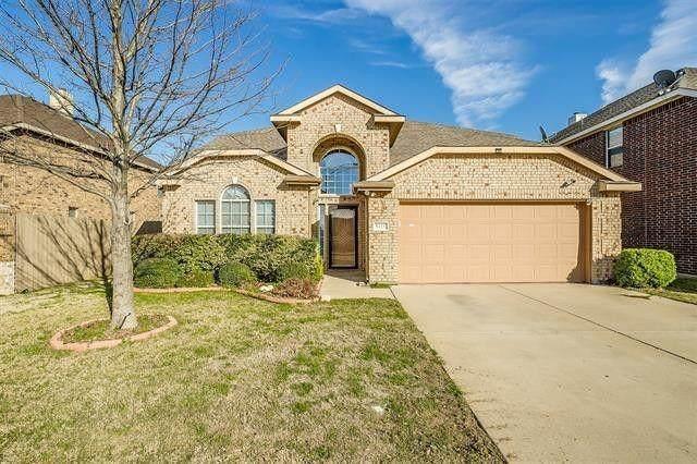 5421 Grenada Drive, Fort Worth, TX 76119 (MLS #14640210) :: EXIT Realty Elite