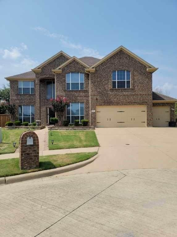2376 Merlin Drive, Grand Prairie, TX 75052 (MLS #14640530) :: The Great Home Team