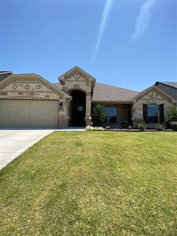 222 Buckeye Drive, Weatherford, TX 76086 (MLS #14641289) :: Russell Realty Group
