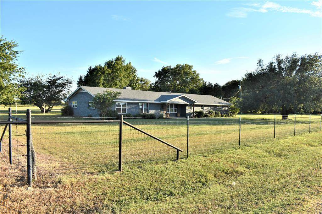 11400 County Road 102 - Photo 1