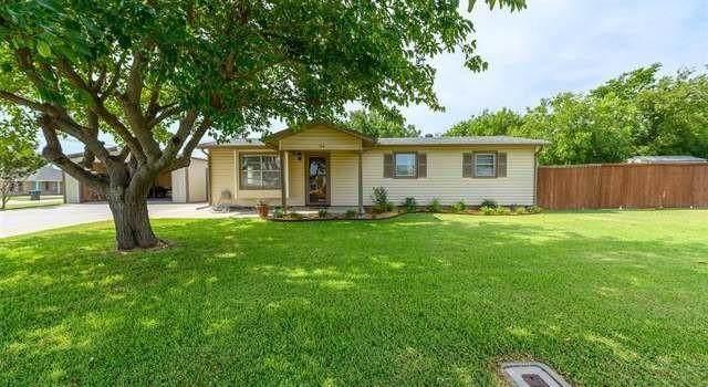 208 Railroad Avenue, Sanger, TX 76266 (MLS #14647896) :: Real Estate By Design