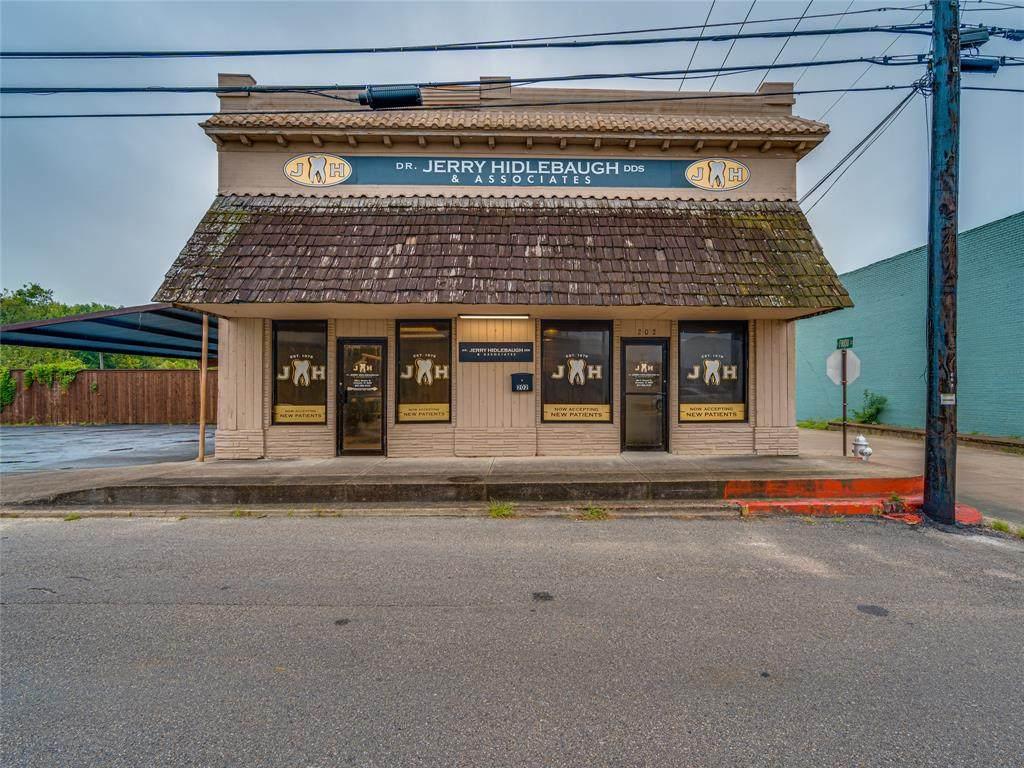 202 Weaver Avenue - Photo 1