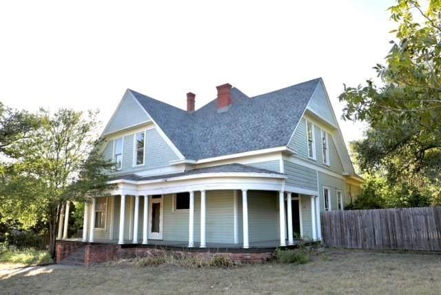 720 E Morgan Street, Meridian, TX 76665 (MLS #14650033) :: Real Estate By Design