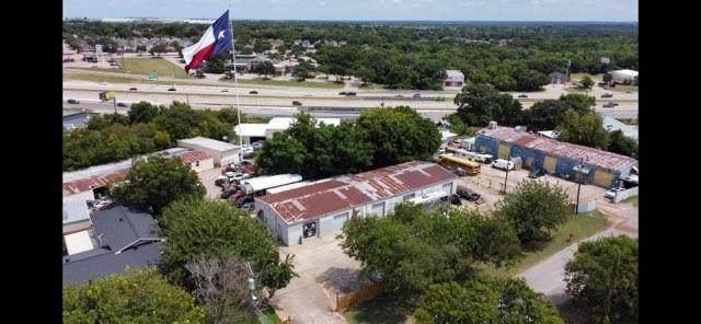 1206 Crestdell Drive, Duncanville, TX 75137 (MLS #14651897) :: Maegan Brest | Keller Williams Realty