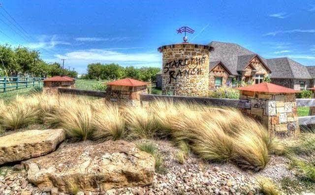 6343 Starlight Ranch Road, Godley, TX 76044 (MLS #14654140) :: Robbins Real Estate Group