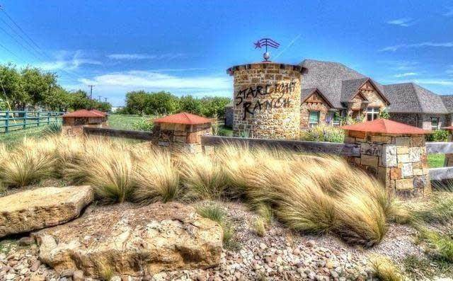 6318 Starlight Ranch Road, Godley, TX 76044 (MLS #14654158) :: Robbins Real Estate Group