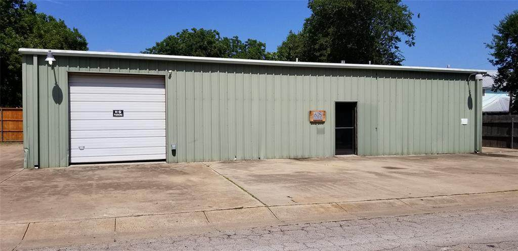 625 Cow Alley - Photo 1