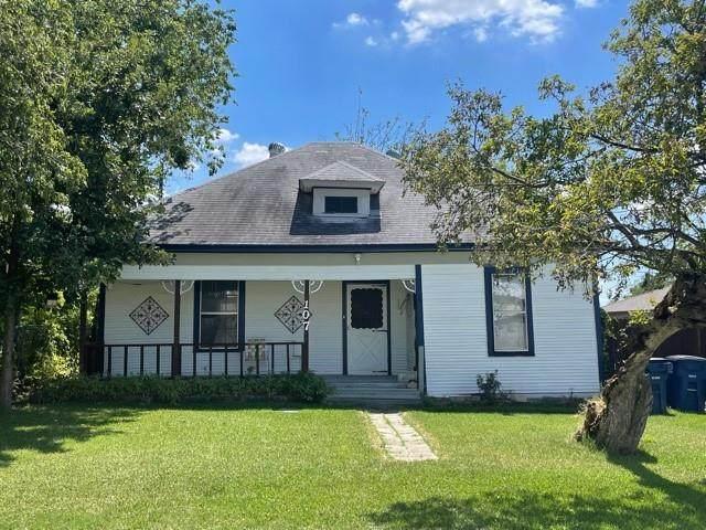 107 W 2nd Street, Prosper, TX 75078 (MLS #14657494) :: Real Estate By Design