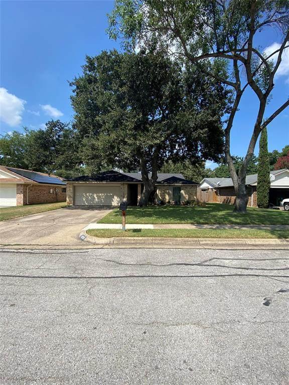 3025 Woodbridge Drive, Bedford, TX 76021 (MLS #14665354) :: The Chad Smith Team