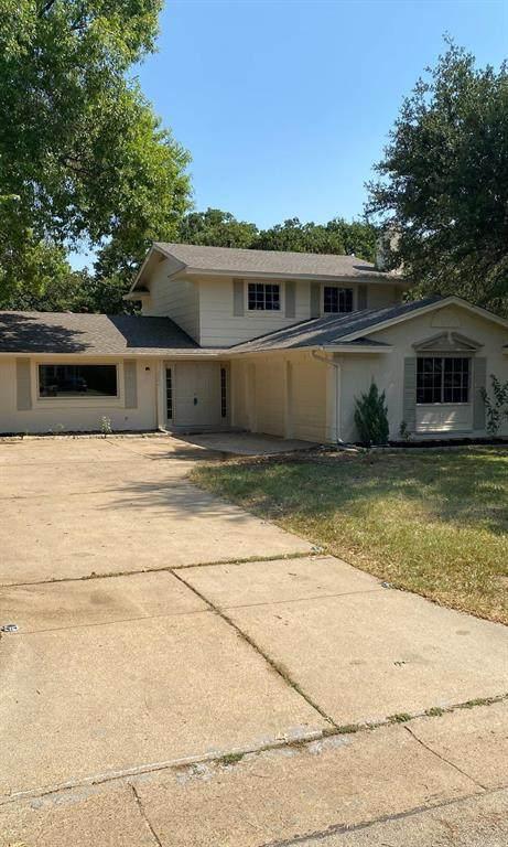 2804 Olympia Drive, Arlington, TX 76013 (MLS #14667841) :: Craig Properties Group