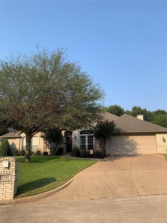 1511 Creekside Circle, Mansfield, TX 76063 (MLS #14668533) :: The Chad Smith Team